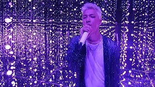 SBS Inkigayo 인기가요 EP924 20170820독보적인 카리스마 '태양'의 역대급 퀄리티 무대!SBS Inkigayo(인기가요) is a Korean music program broadcast by SBS. The show features some of the hottest and popular artists' performance every Sunday, 12:10pm. The winner is to be announced at the end of a show. Check out this week's Inkigayo Line up and meet your favorite artist!☞ Visit 'SBS Inkigayo' official website and get more information:http://goo.gl/4FPbvz☞ Enjoy watching other stages of your favorite K-pop singers!:https://goo.gl/n2mUBS