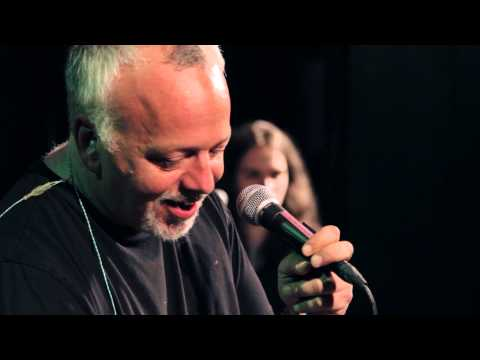 Gene Ween Does Billy Joel – Full Performance – Radio Woodstock 100.1 – 4//10/15