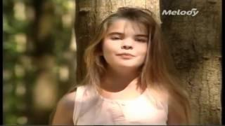 Melody - Y'a Pas Que Les Grands Qui Rêvent