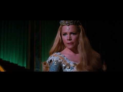 Oz  The Great and Powerful   Glinda vs  Evanora