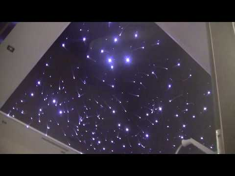 Sufity napinane z gwiezdnym niebem, oświetlenie sufitu napinanego, montaż światłowodów