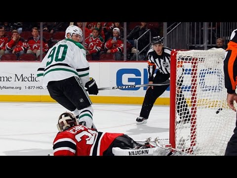 Video: Spezza uses quick hands to net shootout goal