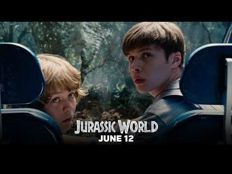Jurassic World (Featurette 'A New Vision')