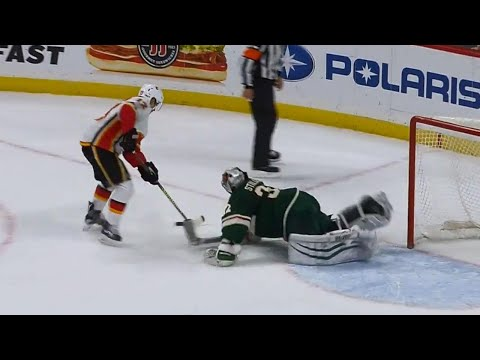 Video: Flames' Gaudreau scores questionable shootout goal vs. Wild