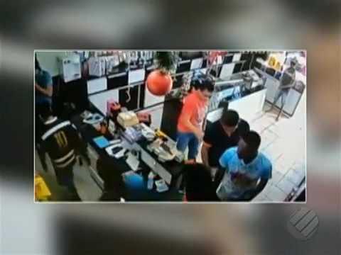 Assaltantes roubam loja de celular em Ourilândia do Norte-PA