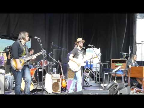 Jackie Greene w Jeff Chimenti – Farewell, So Long, Goodbye 6-9-13 Mountain Jam, Hunter Mt, NY