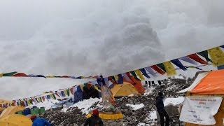 Nonton Hit By Avalanche In Everest Basecamp 25 04 2015 Film Subtitle Indonesia Streaming Movie Download
