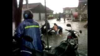 Bencana Banjir 2014-2015http://goo.gl/W2Rm2Qhttp://goo.gl/pBvop3http://goo.gl/hC4DqPhttp://goo.gl/icGoGtBencana Banjir 2014-2015Bencana Banjir 2014-2015