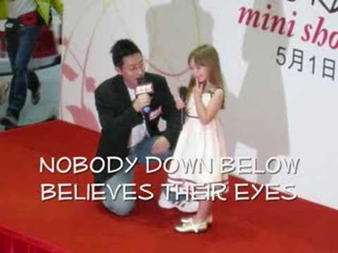 Tekst piosenki Connie Talbot - Walking In The Air po polsku