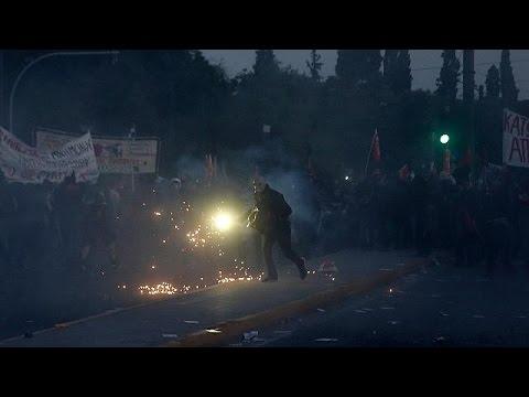 Ελλάδα: Επεισόδια πριν την κρίσιμη ψηφοφορία