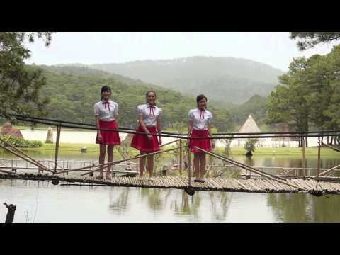 Con đường đến trường – Tường Vy, Ngọc Khánh, Thùy Linh