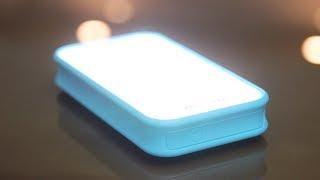 """↓↓↓ WYNIKI konkursu poniżej! ↓↓↓Co może naładować telefon i świeci w ciemnościach? Cenę powerbanku możecie sprawdzić tu: http://bit.ly/ADATA_D8000La smartfony najpopularniejszych marek możecie kupić wraz z ofertą sieci Play: http://www.play.pl/telefony/Zwycięzcą konkursu jest użytkownik... ChawkeR! :) Gratuluję, zgłoś się do mnie proszę po nagrodę pisząc maila na konkurs.mobzilla@gmail.com - masz czas do 10.08 - po tym terminie nagroda przepada, wylosuję innego zwycięzcę.Do wszystkich, którym się nie powiodło - nic straconego, kolejne konkursy będą się pojawiać w kolejnych odcinkach.Zostaw lajka i daj suba! http://bit.ly/sub_mobzillaDaj też suba Playowi! Play jest fajny :) http://bit.ly/sub_playZerknij też na fanpage'a Mobzilli - https://www.facebook.com/MobzillaShoworaz na mojego Twittera - https://twitter.com/mobzillatva jeśli chcesz kupić fajny smartfon, możesz go wybrać wraz z ofertą w sieci Play - http://www.play.pl/telefony/Telefony_mnpAby skorzystać z promocji: 1. Dodaj do koszyka powerbank ADATA D8000L: http://bit.ly/ADATA_D8000L lub dowolny inny z tej listy: http://bit.ly/Powerbanki_ADATA2. Dodaj do koszyka promocyjny kabel USB: http://bit.ly/ADATA_USB3. W polu """"Kod promocyjny"""" w podsumowaniu koszyka wpisz """"MOBZILLA"""" i kliknij """"Użyj kodu"""". Cena zostanie przeliczona. Promocja trwa przez 7 dni. Odcinek powstał przy współpracy z ADATA Polska."""