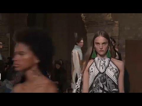 Εβδομάδα Μόδας Παρισιού: Ιστορικοί οίκοι, νέες τάσεις