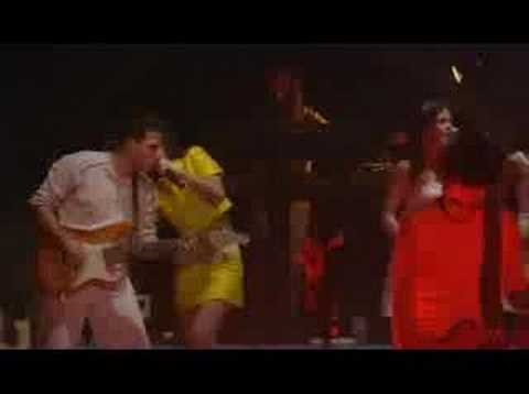 Alizée - C'est Trop Tard (Live - En Concert 2004) (видео)