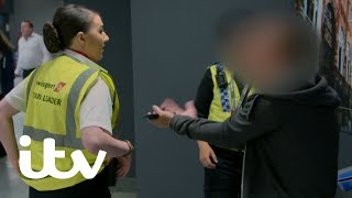 Video An Angry Passenger Refuses to Cooperate with Police | Yorkshire Airport MP3, 3GP, MP4, WEBM, AVI, FLV Agustus 2019