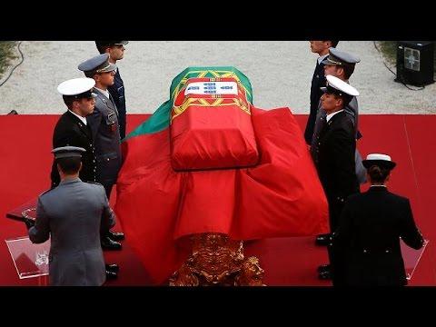 Με τιμές εν ενεργεία αρχηγού κράτους τελέστηκε η κηδεία του Μάριο Σοάρες