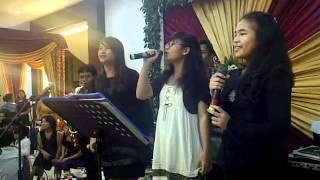 Video Hamu Anakkon Hu - Ides trio - DebyEdithIrene MP3, 3GP, MP4, WEBM, AVI, FLV Juli 2018