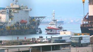 منظمة غير حكومية إسبانية تنقد مهاجرين كانو عالقين في البحر