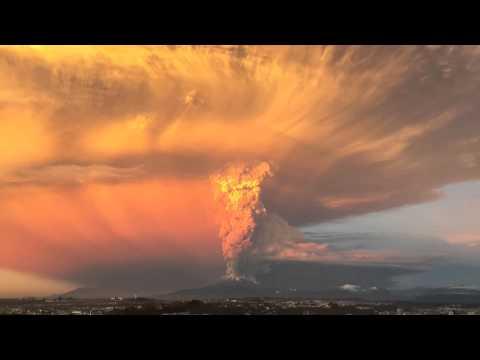 好可怕!智利火山大爆發現場影片!
