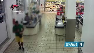 Torino: preso dai Carabinieri il rapinatore in bermuda gialle che fuggiva in taxi
