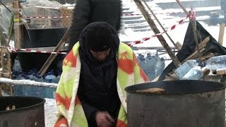 Pro-EU Ukrainians keep up sub-zero protests