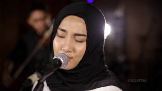 Video Fatin Sing Me to Sleep (Alan Walker Cover) MP3, 3GP, MP4, WEBM, AVI, FLV Mei 2018