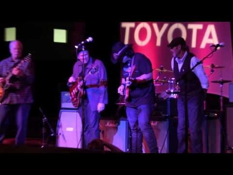 Riding With The King - Jimmy Wallace & The Stratoblasters at The 2016 Dallas International Guitar Show