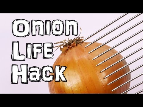 This Onion-Cutting Hack Will Solve All Your Problems