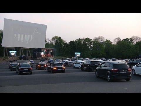 Γερμανία: Συναυλία… drive-in