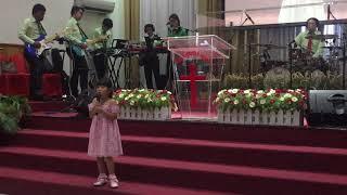 Kunyanyi Haleluya (Live) by Nadine Juanita