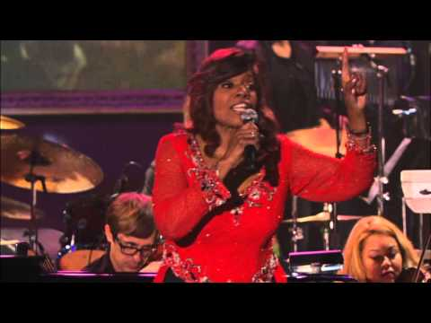 "I Will Survive - Gloria Gaynor ""Live"""