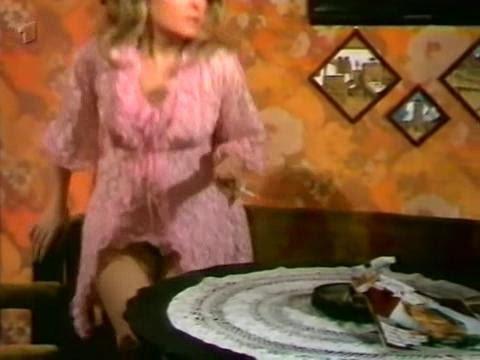 1972 German girl in mini (видео)