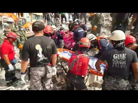 Εκουαδόρ: Άντρας εντοπίστηκε ζωντανός στα συντρίμμια