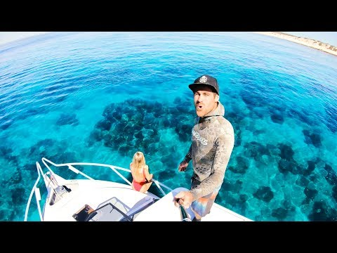 CAMPING ON THE BOAT EATING WHAT YOU CATCH Remote Islands And Amazing Weather - Ep 76 - Thời lượng: 23 phút.