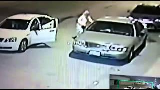 مواطن يوثق عبر كاميرات المراقبة لحظة سرقة سيارته
