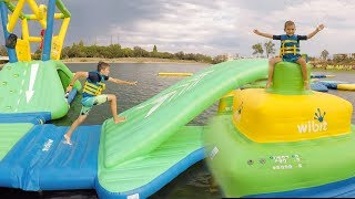 Video PARC AQUATIQUE GONFLABLE AQUAPARK - Fun Water Park sur la Mer MP3, 3GP, MP4, WEBM, AVI, FLV September 2017
