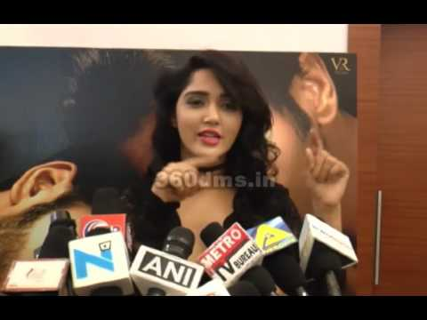 Video Bollywood Actress Divya Singh Talks About Her Character of the Movie ISHQ JUNOON download in MP3, 3GP, MP4, WEBM, AVI, FLV January 2017