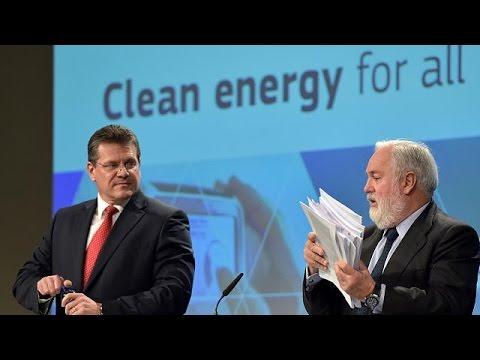 Ποιο είναι το σχέδιο της Κομισιόν για τη μετάβαση στην εποχή της «καθαρής ενέργειας»