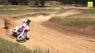 9. MotoOnline Films: 2014 Honda CRF250R and CRF450R test