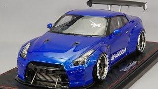 イグニッションモデル製 1/18ミニカー レジンモデルカーNISSAN GTR R35 TRA京都 PANDEM wide body kit  ブルーメタリック凄くかっこいいです!GTR R35 Resin model car TRA Kyoto PANDEM Wide body kit 1/18 Resin model car blue metallicSuper cool!!!!When noticing that the height of the car on the right side is as high as seen from the front, when I screwed the screws under the base evenly, I got even height of the landing gear level.IG Model