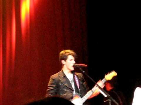 Primer concierto de Nick Jonas & The Administration