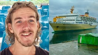 Video Tourist Refuses To Eat Food On Indonesian Cruise Ship MP3, 3GP, MP4, WEBM, AVI, FLV Mei 2019