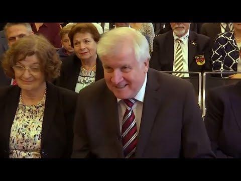 Seehofer will Abschiebungen von Straftäter und Gefähr ...