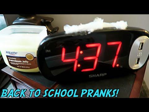10 BEST PRANKS BACK TO SCHOOL!! - HOW TO PRANK (видео)