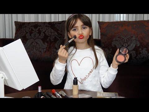 Lina Gizlice Annesinin Makyaj Malzemeleriyle Makyaj Yaptı #2 | Funny Kid Video