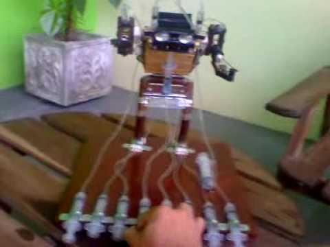 Robô Mecânico Hidráulico