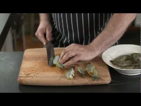 How To – butterfly prawns