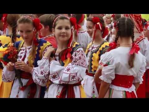 Парад Вишиванок 2013
