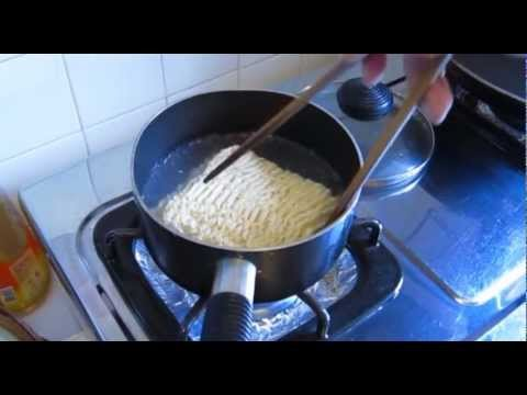 [偷食總司令]司徒夾帶挑機Cooking HayHay煮公仔麵