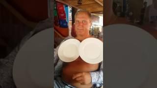 Wystarczy minuta aby zrobić z siebie magnes przyciągający porcelanowe talerze